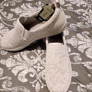 Women's Slip on Running Shoes 👟NWT